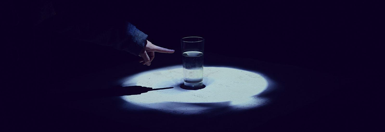 come bere un bicchiere d'acqua 7
